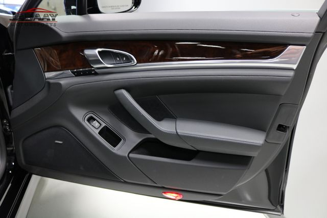 2013 Porsche Panamera 4 Platinum Edition Merrillville, Indiana 29