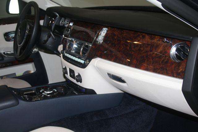 2013 Rolls-Royce Ghost Houston, Texas 17