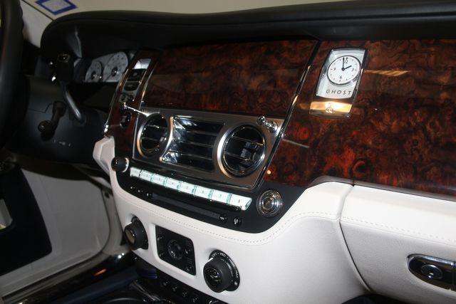 2013 Rolls-Royce Ghost Houston, Texas 27