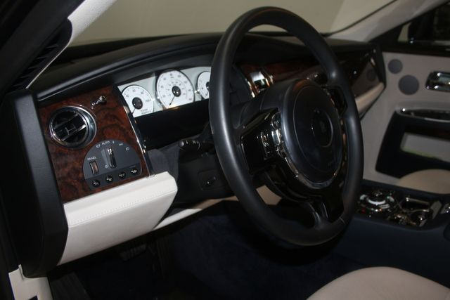 2013 Rolls-Royce Ghost Houston, Texas 30