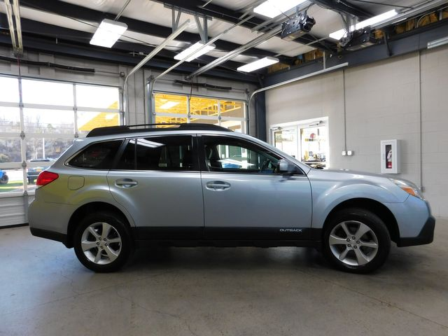 2013 Subaru Outback 2.5i Limited in Airport Motor Mile ( Metro Knoxville ), TN 37777