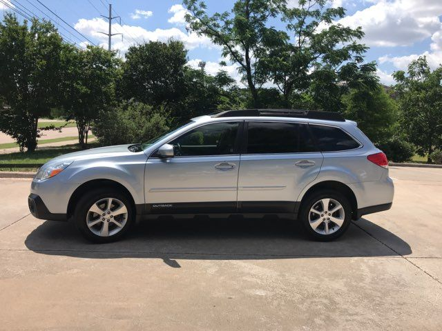 2013 Subaru Outback 2.5i Limited ONE OWNER in Carrollton, TX 75006