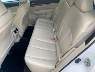 2013 Subaru Outback 2.5i Limited Farmington, MN 6
