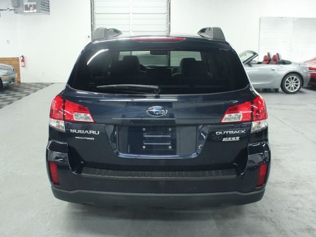 2013 Subaru Outback 2.5i Premium Kensington, Maryland 3
