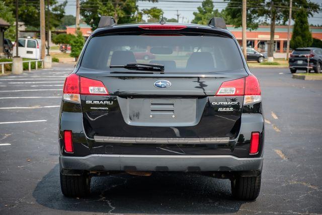 2013 Subaru Outback 2.5i Limited in Memphis, TN 38115