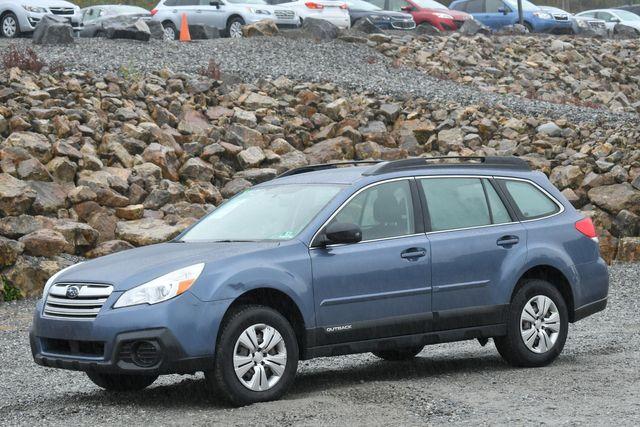 2013 Subaru Outback 2.5i Naugatuck, Connecticut