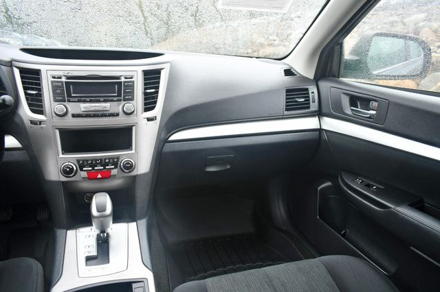 2013 Subaru Outback 2.5i Naugatuck, Connecticut 14