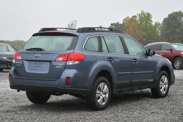 2013 Subaru Outback 2.5i Naugatuck, Connecticut 4