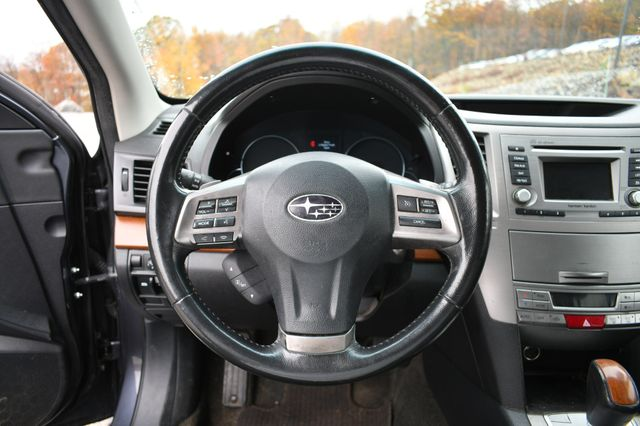 2013 Subaru Outback 2.5i Limited Naugatuck, Connecticut 18