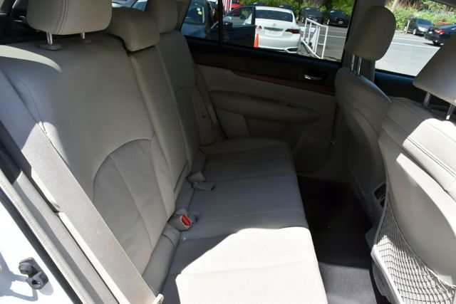 2013 Subaru Outback 2.5i Limited Waterbury, Connecticut 17