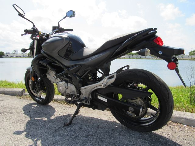2013 Suzuki SFV 650 in Dania Beach , Florida 33004