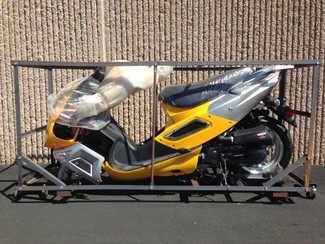 2015 Taotao Thunder 49cc Scooter / Moped in Crate Blaine, Minnesota 4