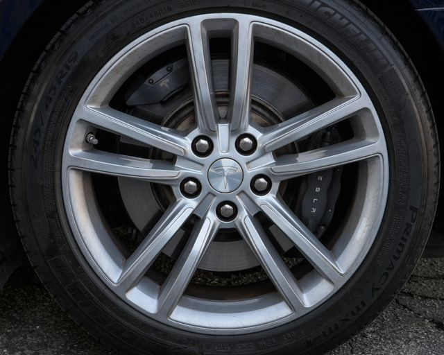 2013 Tesla Model S Burbank, CA 24