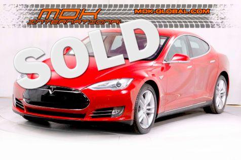 2013 Tesla Model S  in Los Angeles