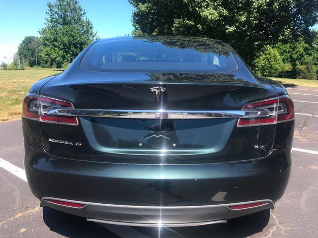 2013 Tesla Model S Leesburg, Virginia 3