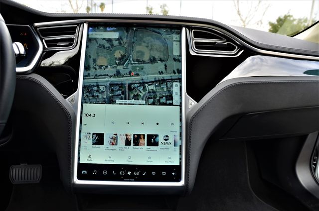 2013 Tesla Model S Reseda, CA 29