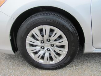2013 Toyota Camry LE Dickson, Tennessee 4