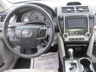 2013 Toyota Camry LE Dickson, Tennessee 6