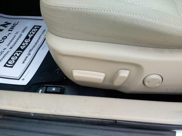 2013 Toyota Camry LE Houston, Mississippi 11