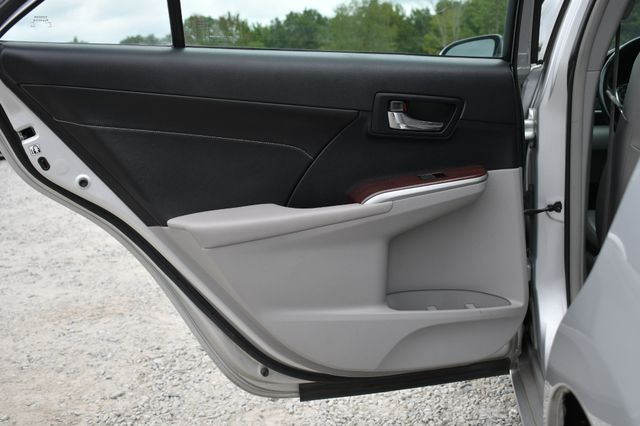 2013 Toyota Camry XLE Naugatuck, Connecticut 12