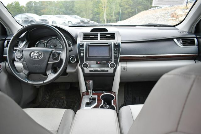 2013 Toyota Camry XLE Naugatuck, Connecticut 16