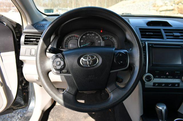 2013 Toyota Camry LE Naugatuck, Connecticut 17