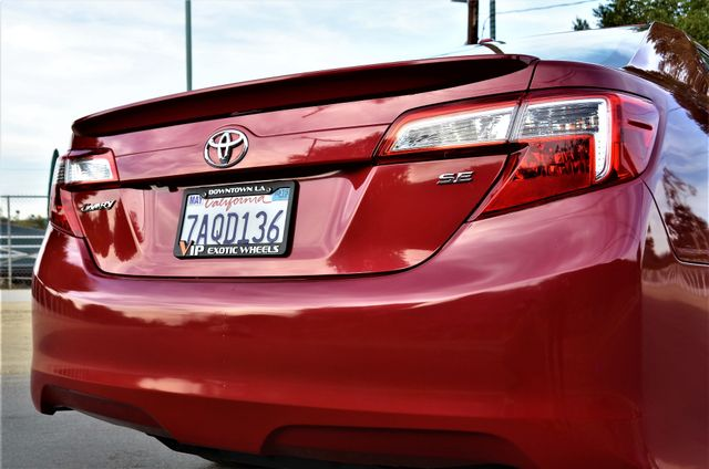 2013 Toyota Camry SE Reseda, CA 22