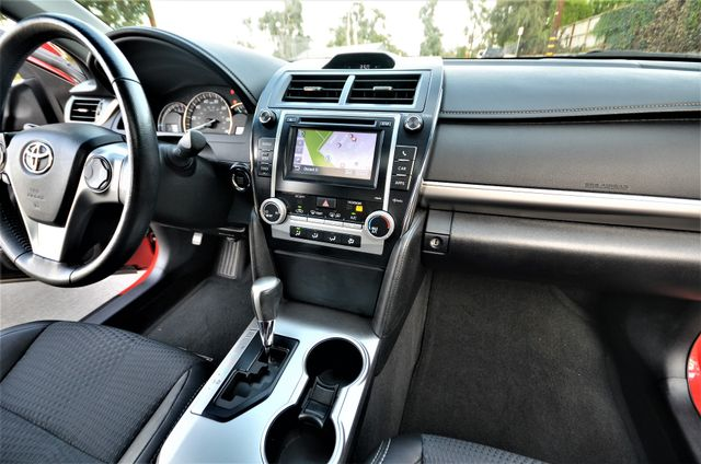 2013 Toyota Camry SE Reseda, CA 37