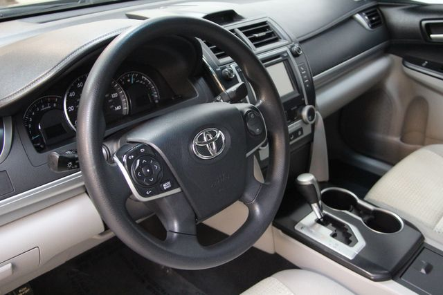2013 Toyota Camry LE Richmond, Virginia 7