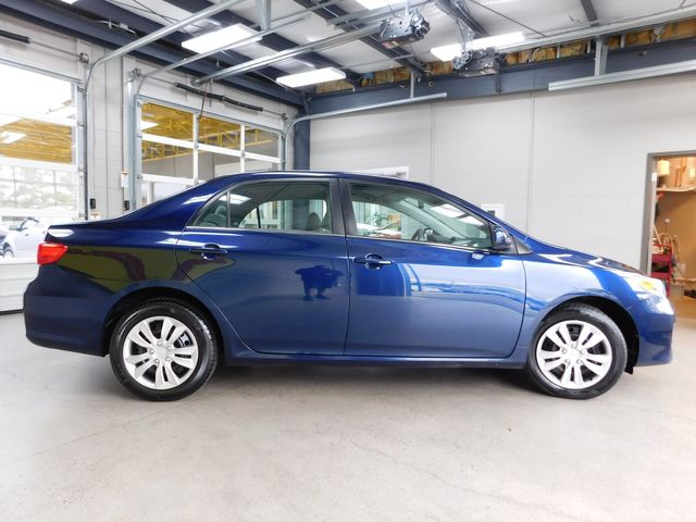 2013 Toyota Corolla LE in Airport Motor Mile ( Metro Knoxville ), TN 37777