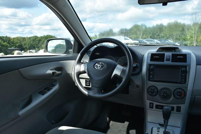2013 Toyota Corolla LE Naugatuck, Connecticut 13