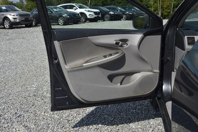 2013 Toyota Corolla LE Naugatuck, Connecticut 16