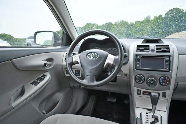 2013 Toyota Corolla LE Naugatuck, Connecticut 8