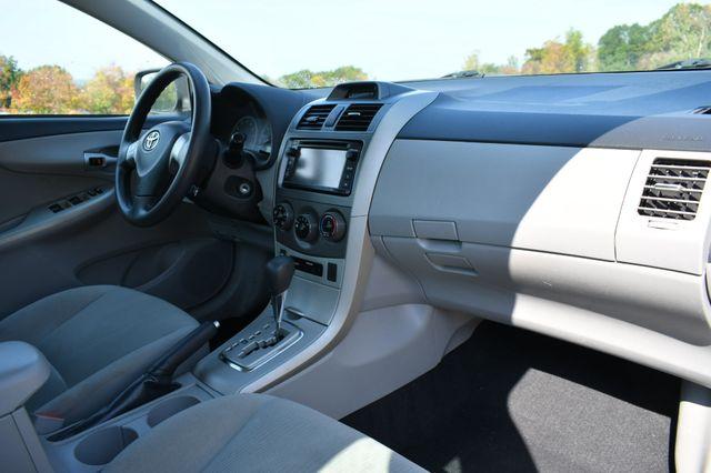 2013 Toyota Corolla LE Naugatuck, Connecticut 1