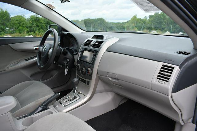 2013 Toyota Corolla LE Naugatuck, Connecticut 10