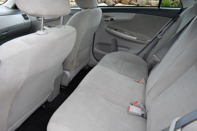 2013 Toyota Corolla LE Naugatuck, Connecticut 14
