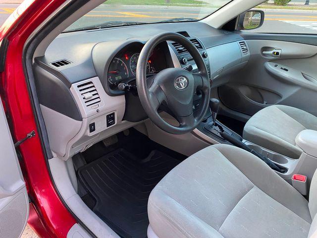 2013 Toyota Corolla LE New Brunswick, New Jersey 12