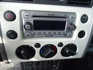 2013 Toyota FJ Cruiser Valparaiso, Indiana 9