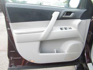 2013 Toyota Highlander Plus Batesville, Mississippi 18