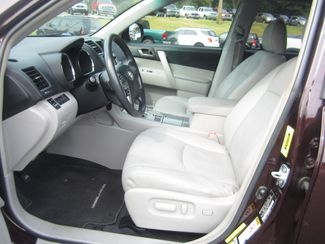 2013 Toyota Highlander Plus Batesville, Mississippi 19