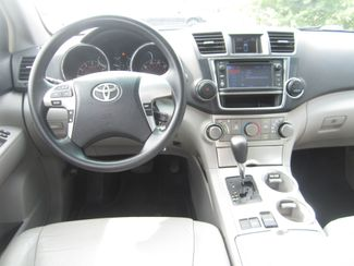 2013 Toyota Highlander Plus Batesville, Mississippi 22