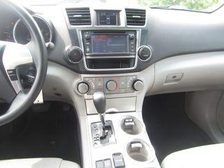 2013 Toyota Highlander Plus Batesville, Mississippi 23