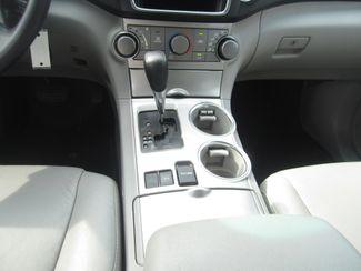 2013 Toyota Highlander Plus Batesville, Mississippi 24