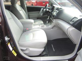 2013 Toyota Highlander Plus Batesville, Mississippi 37