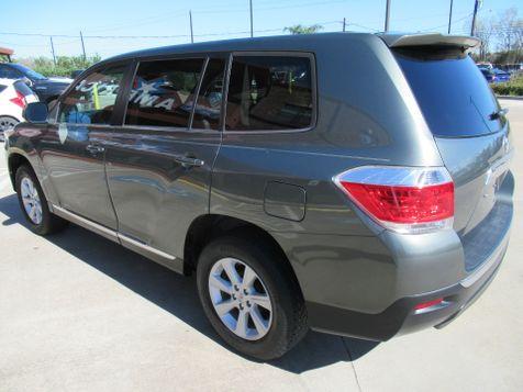 2013 Toyota Highlander  | Houston, TX | American Auto Centers in Houston, TX