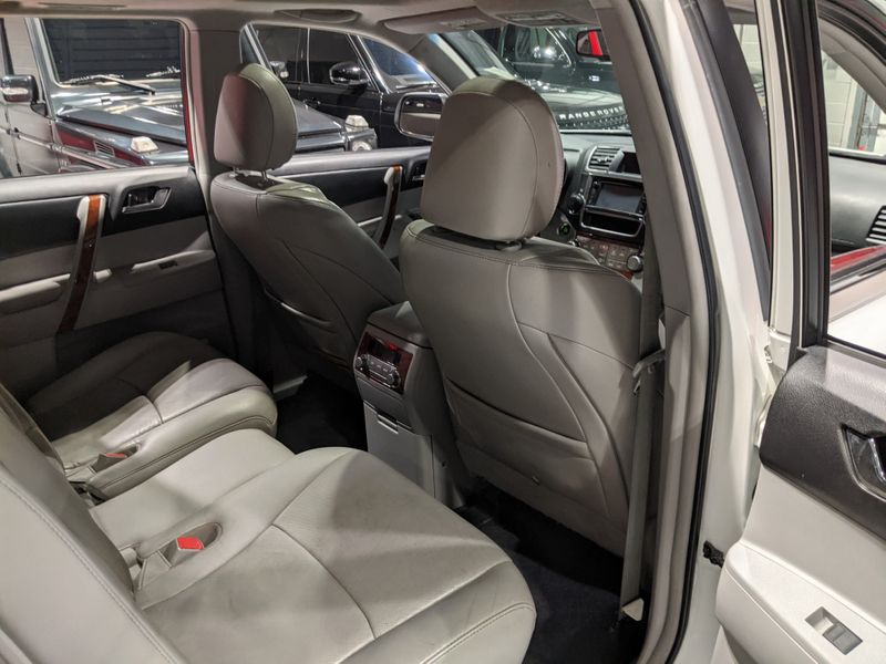 2013 Toyota Highlander Limited  Lake Forest IL  Executive Motor Carz  in Lake Forest, IL