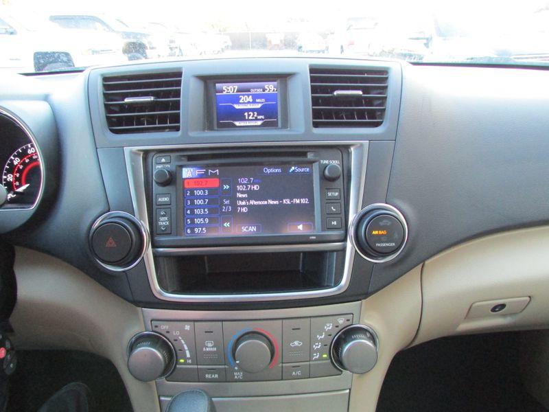 2013 Toyota Highlander Plus 4X4   city Utah  Autos Inc  in , Utah