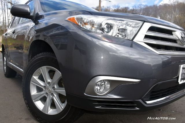 2013 Toyota Highlander 4WD 4dr V6 (Natl) Waterbury, Connecticut 13