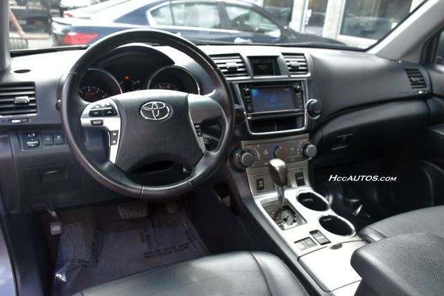 2013 Toyota Highlander 4WD 4dr V6 (Natl) Waterbury, Connecticut 17