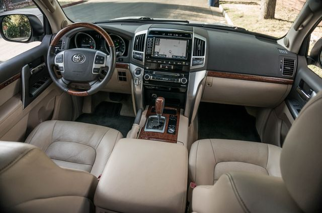 2013 Toyota Land Cruiser - 56K MILES - NAVI - DVD - 3RD ROW Reseda, CA 41